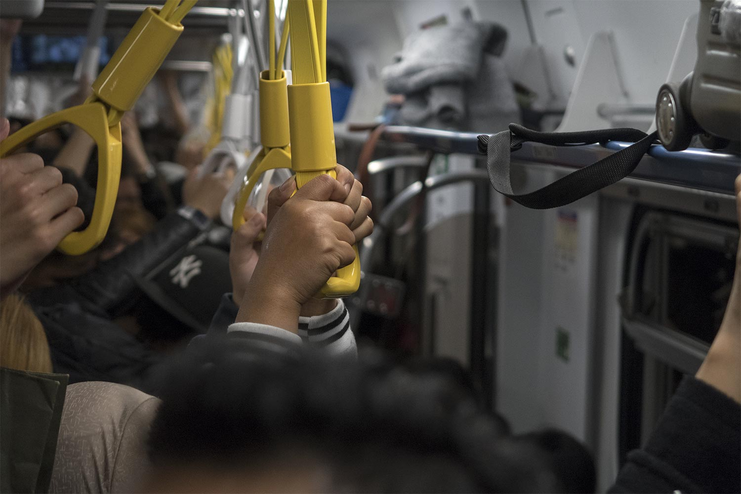 Taiwanese Trains in New Years Eve - Happymind