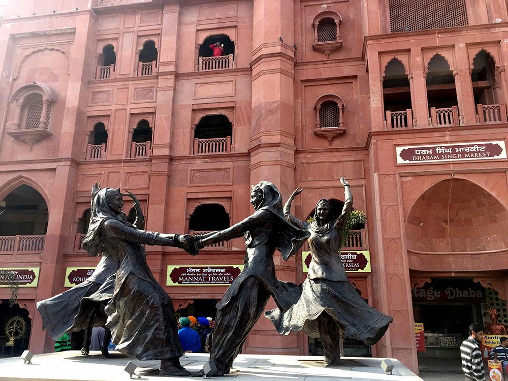 Dharam Singh Market - Photo by Abhishek Sarma   Happymind Travels