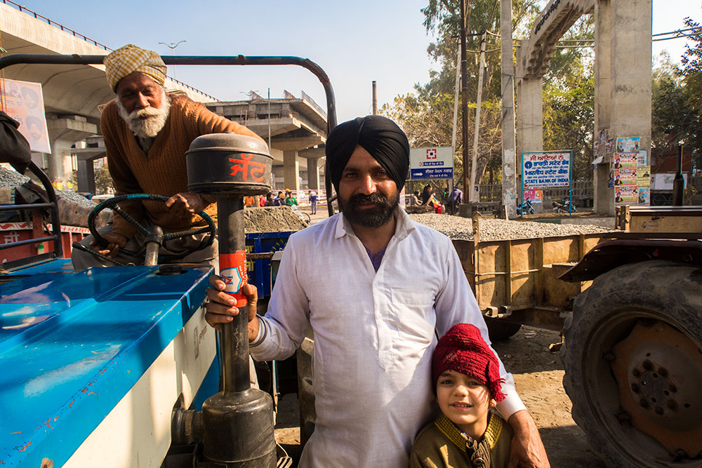 Sikh Family with Turbans in Amritsar   Happymind Travels