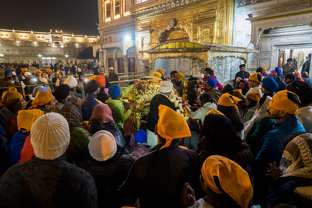 Sukhasan Celebration in the Golden Temple | Happymind Travels