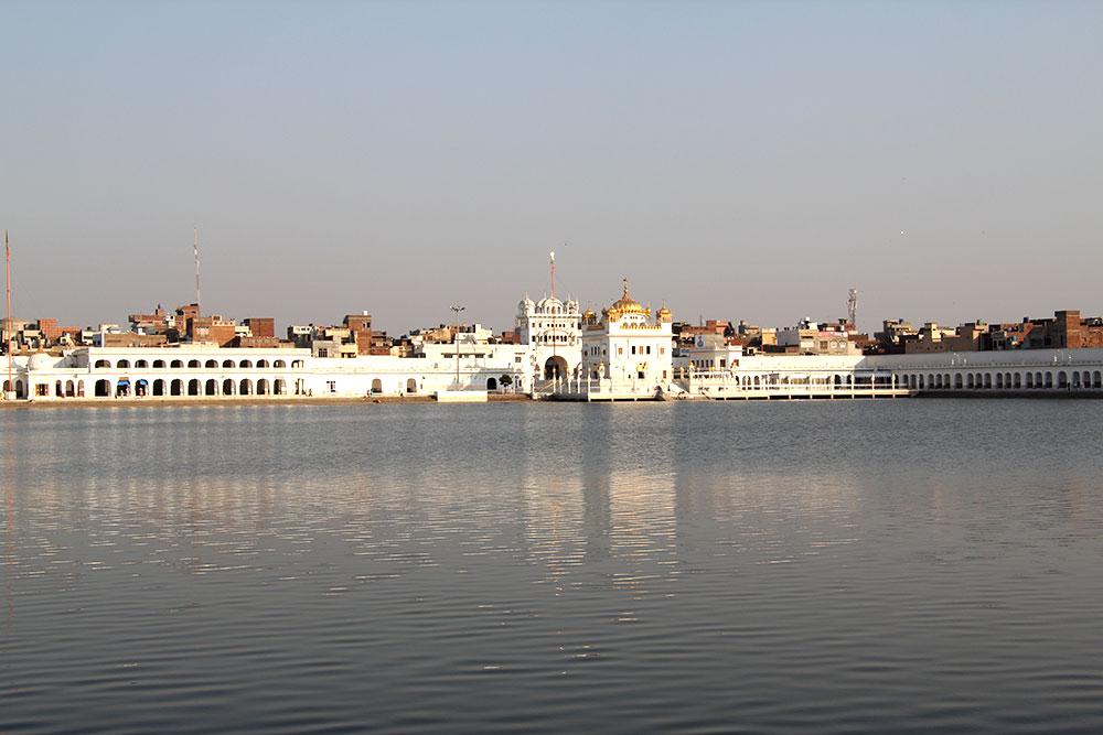 Tarn Taran Temple in Amritsar   Happymind Travels