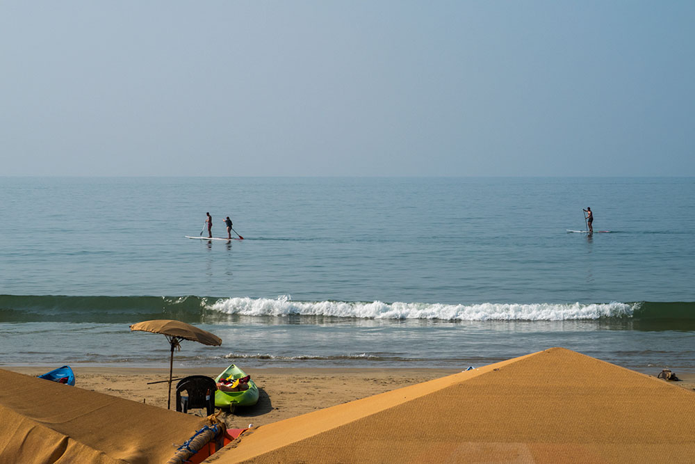 Sup in Palolem Beach | Happymind Travels
