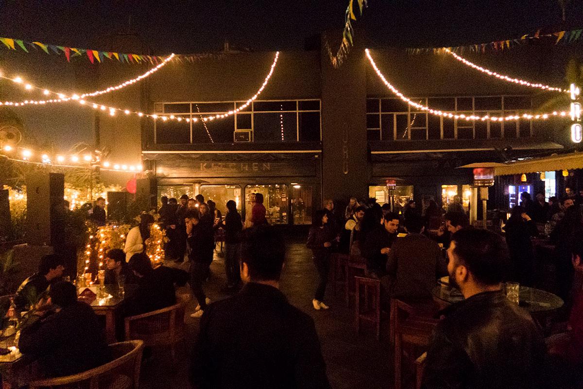 Nightlife in Delhi: Auro Bar in Hauz Khas