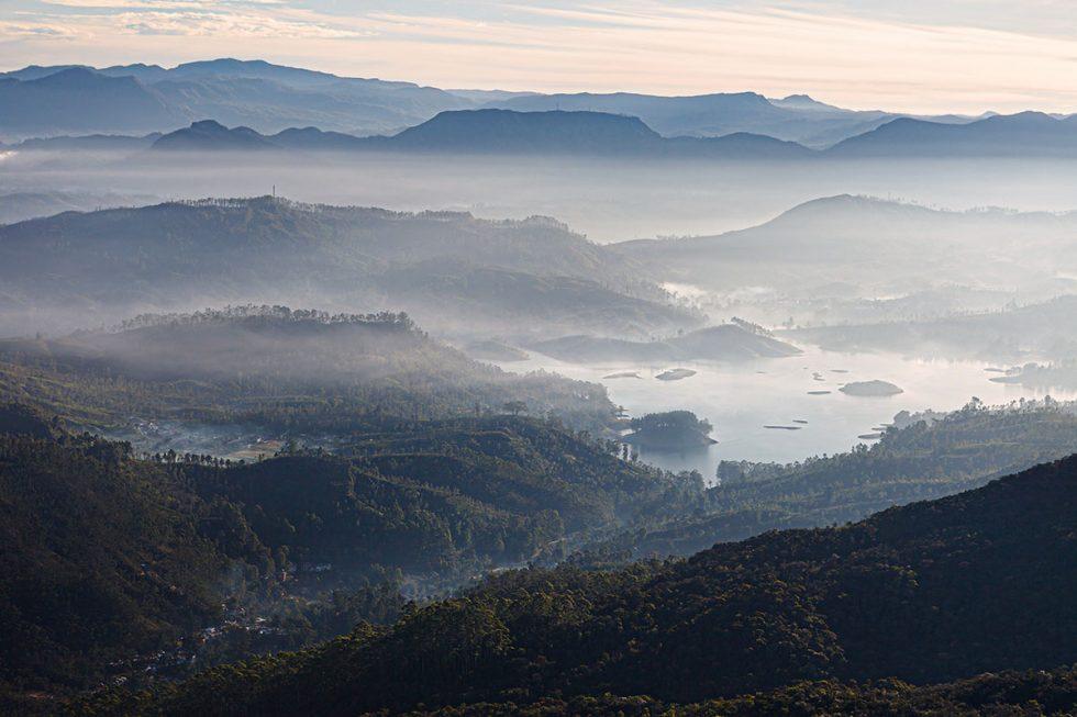 Sunrise at Adams Peak - Sri Lanka | Happymind Travels