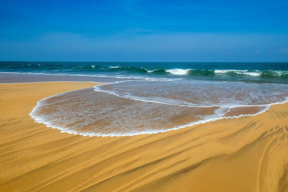 Paradisiac Arugam Bay Beach, Sri Lanka | Happymind Travels