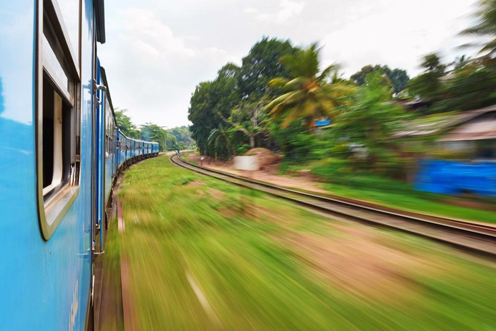 Train trip from Kandy to Ella, Sri Lanka | Happymind Travels