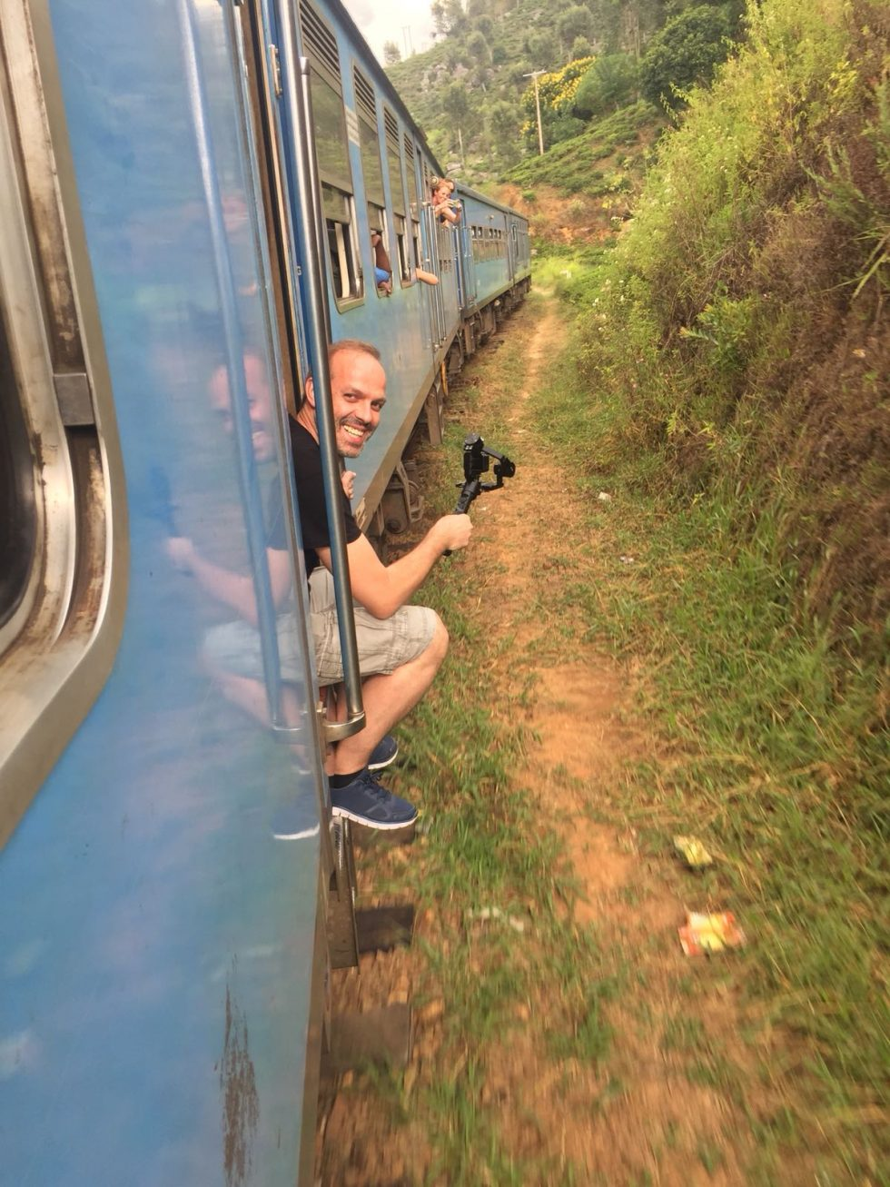 The Best Spot on the Train on the trip from Kandy for Ella - Sri Lanka | Happymind Travels
