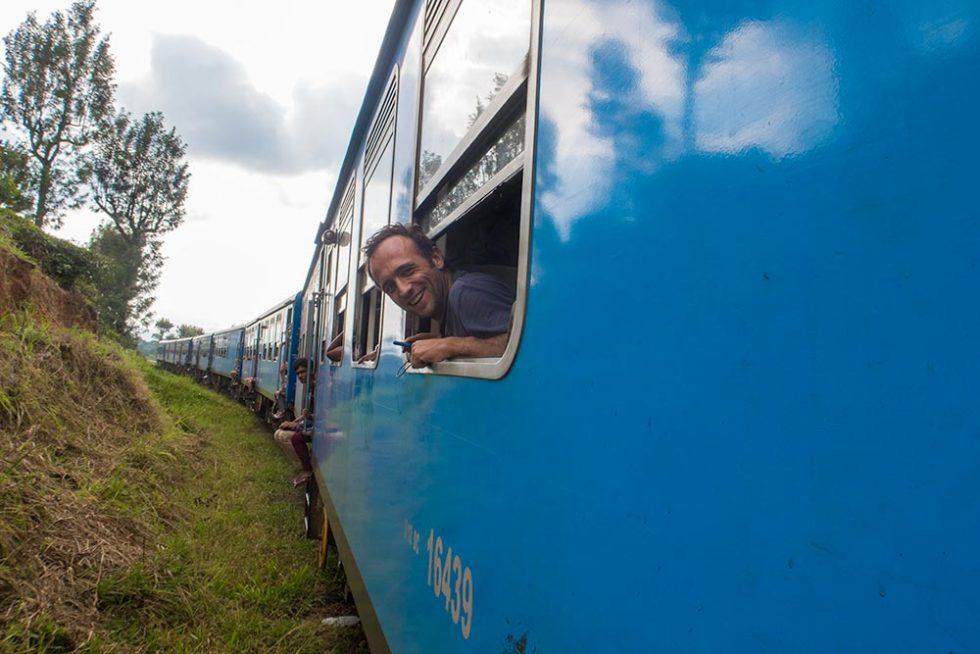 Moment of Joy on Kandy's Journey to Ella - Sri Lanka | Happymind Travels