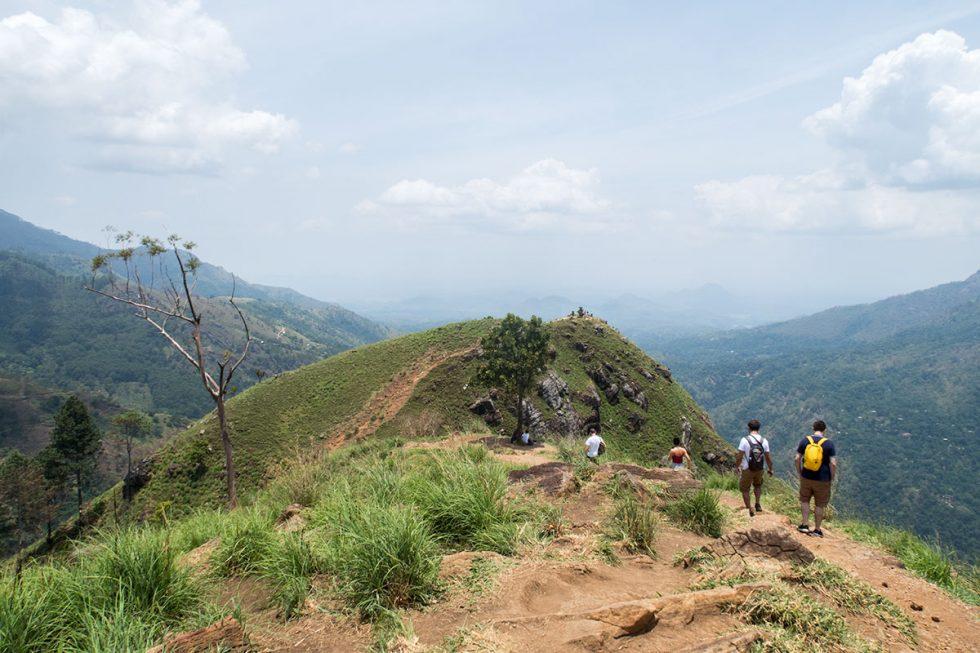Little Adams Peak in Ella - Sri Lanka | Happymind Travels