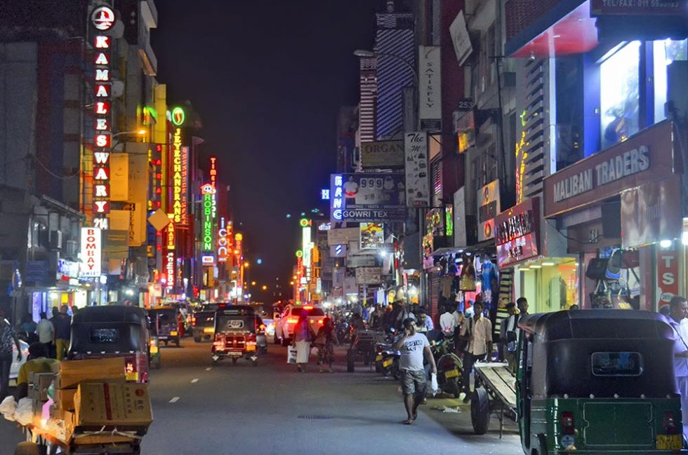 Pettah Market by night in Colombo, Sri Lanka | Happymind Travels