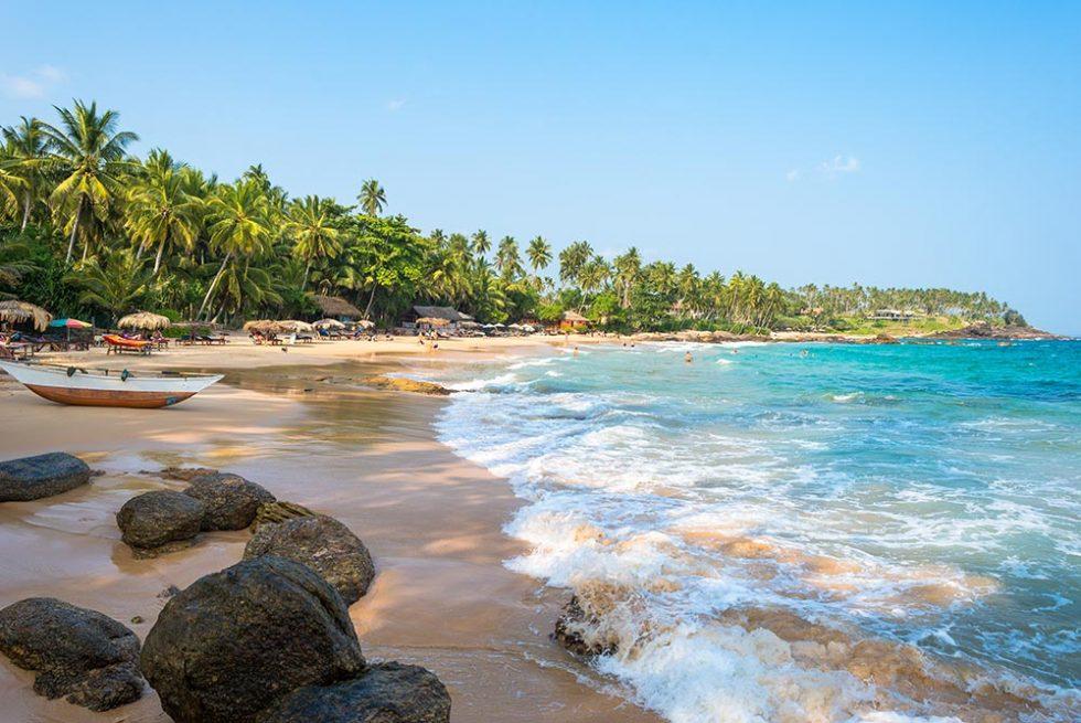 Take the Sri Lanka Online Visa and go to Goyambokka Beach (Tangalle), Sri Lanka | Happymind Travels