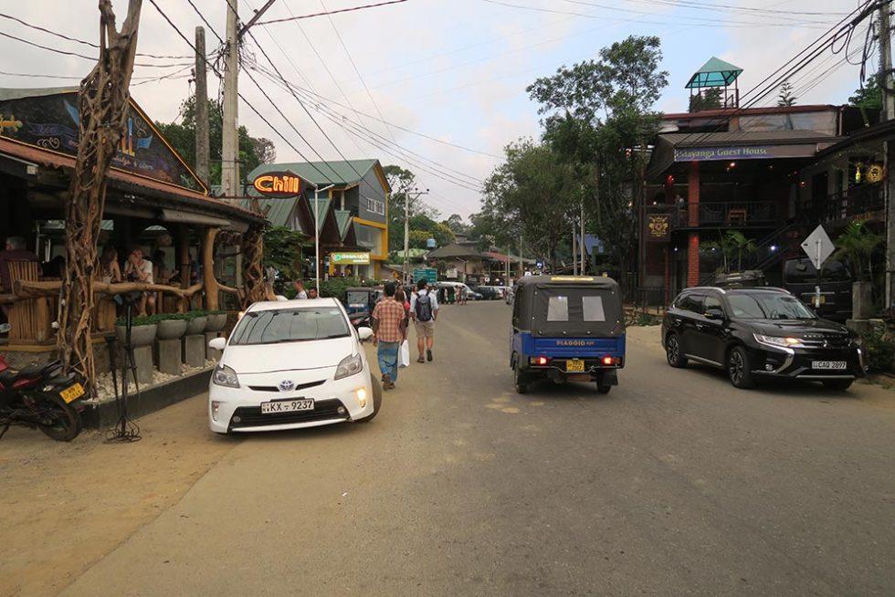 Cafe- Chill in Ella, Sri Lanka | Happymind Travels