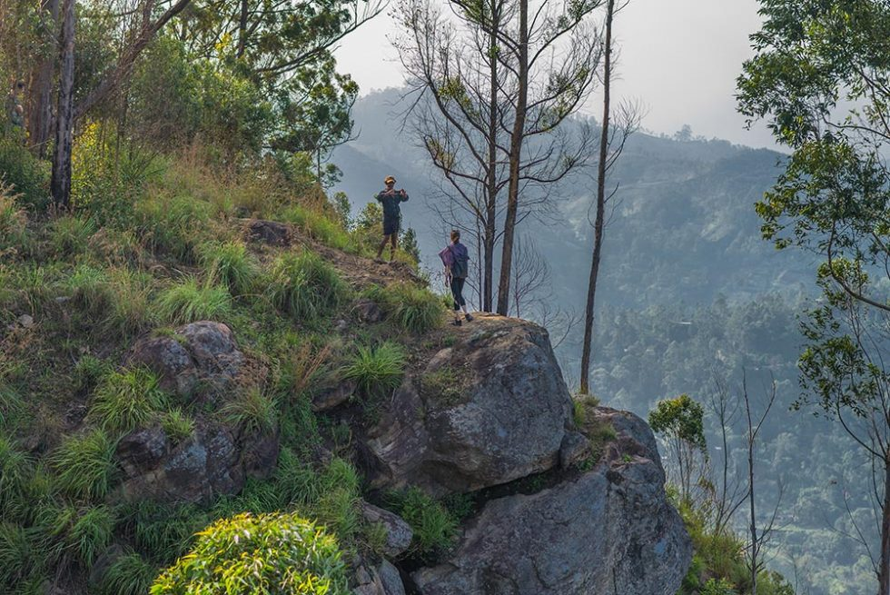 On the way to the top of Ella Rock, Sri Lanka | Happymind Travels
