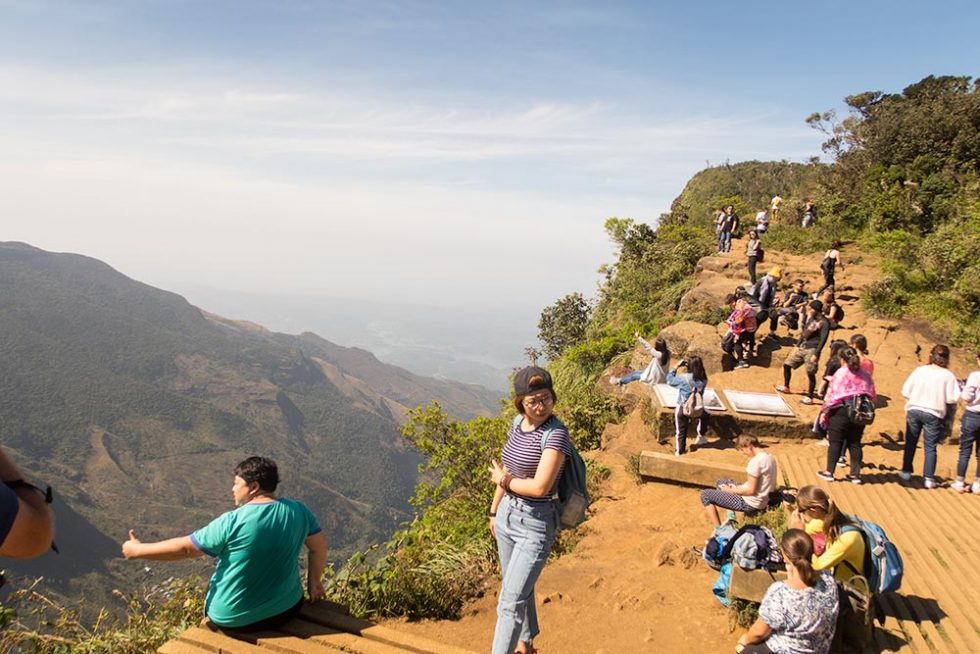 World's End lanscape in Horton Plains in Sri Lanka by 09:30 | Happymind Travels