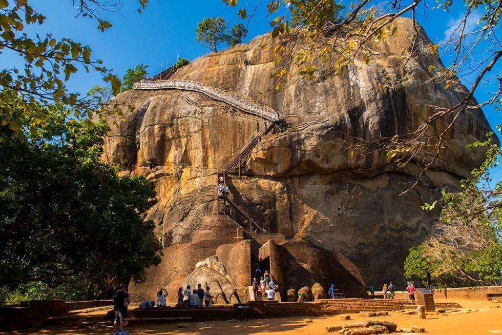 Subida ao Topo do Palácio de Sigiriya, Sri Lanka | Happymind Travels